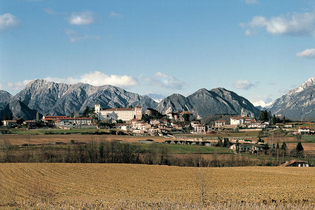 Slide Castello di Colloredo di Monte Albano