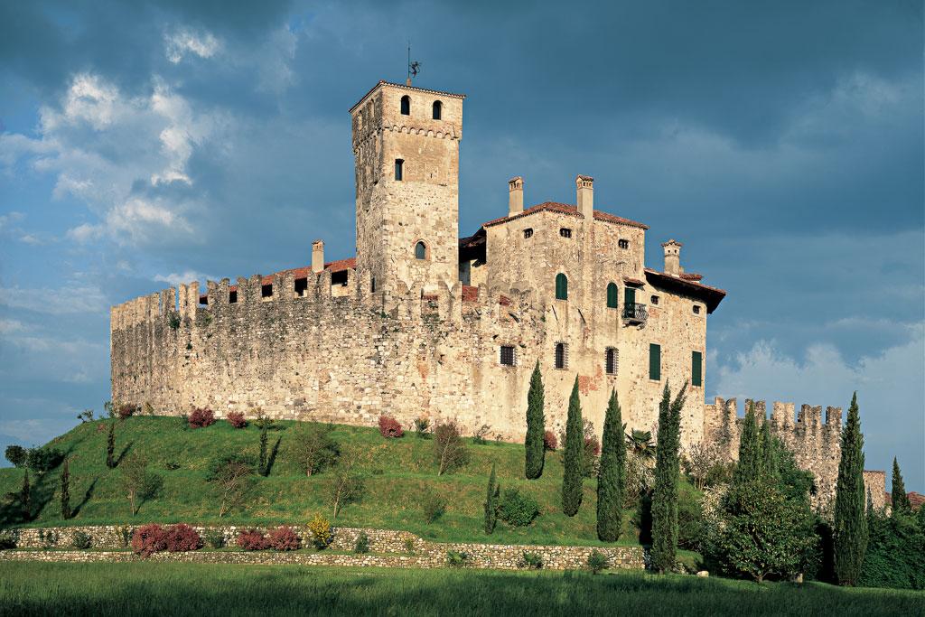 Slide 1B. La terra dei castelli